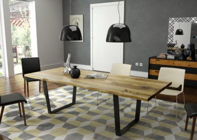 Solidny dębowy stół w jadalni pełnej nowoczesnych akcentów.