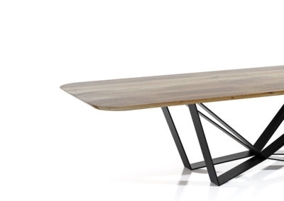 Stół Edder to piękny design, dzieło sztuki, efekt wow