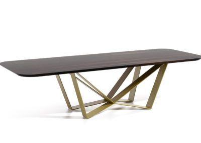 Piękny stół Edder do jadalni