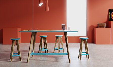 Stabilny wysoki nowoczesny stół